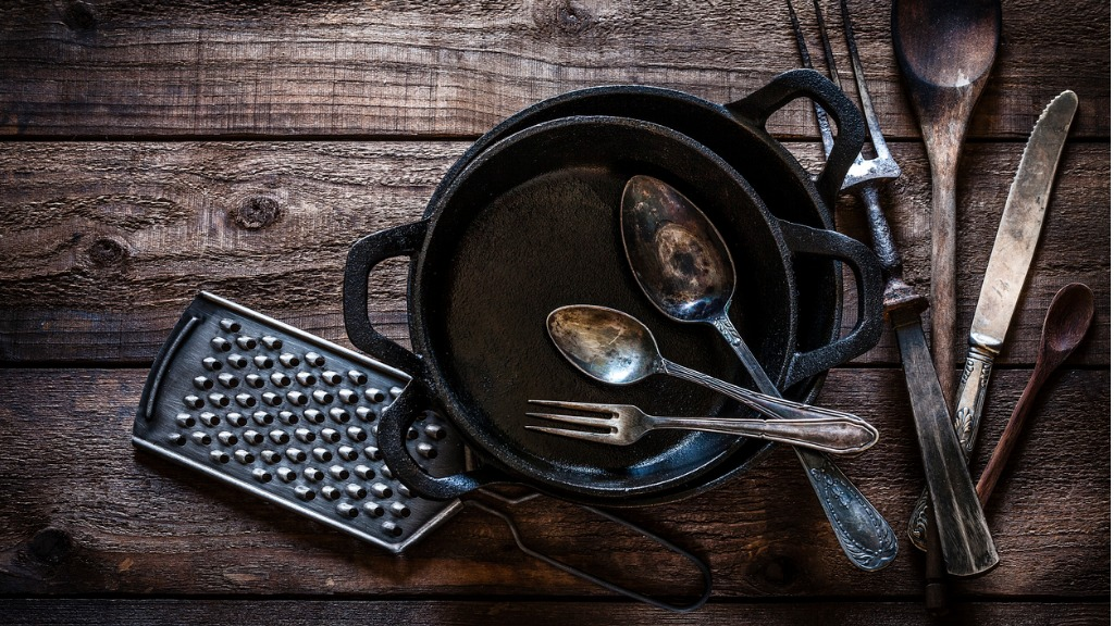 Clean Cast Iron Skillets